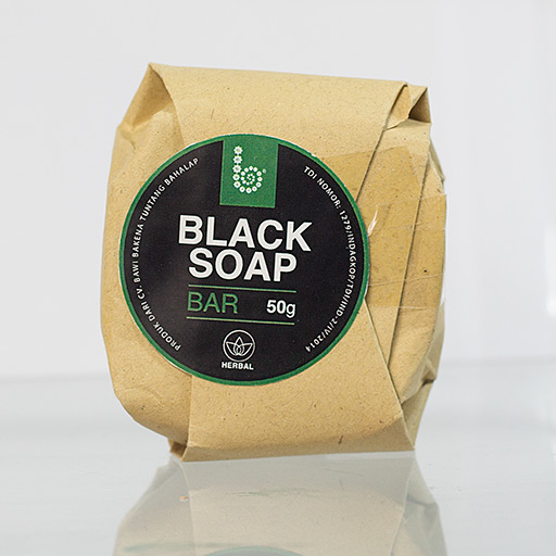 prod-blacksoap-bar-01